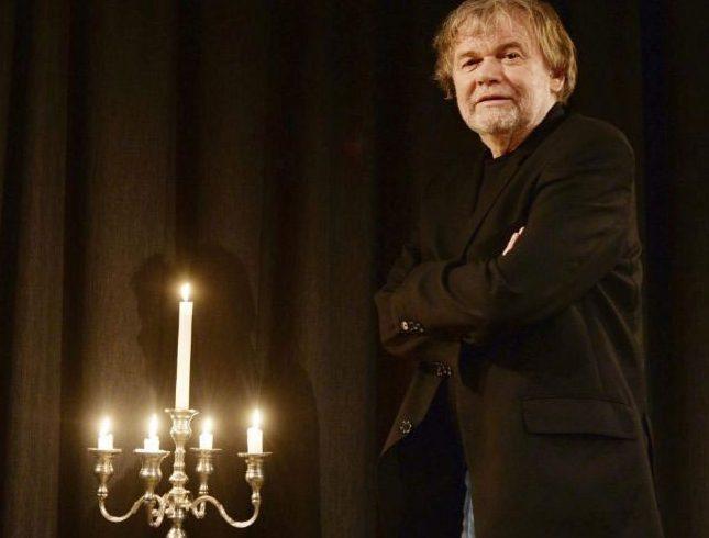 Go to Intervju:norveški pisac Justejn Gorden