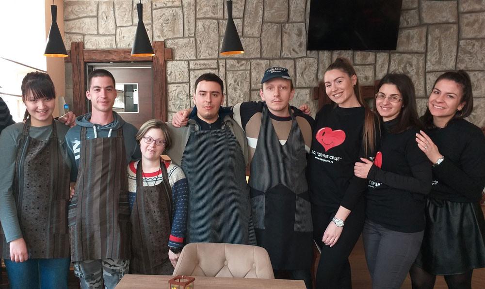 Go to Кафић у коме раде млади са Сметњама  у развоју: Ово срце куца јаче