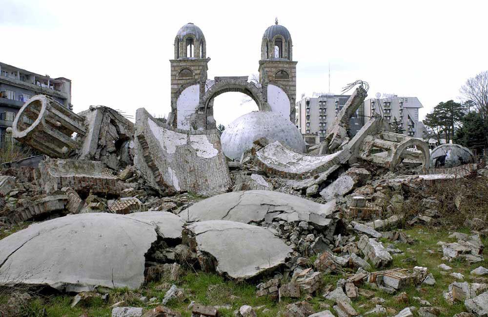 Go to Истина о уништавању српских светиња на Космету: Албанци 13 цркава избрисали са лица земље