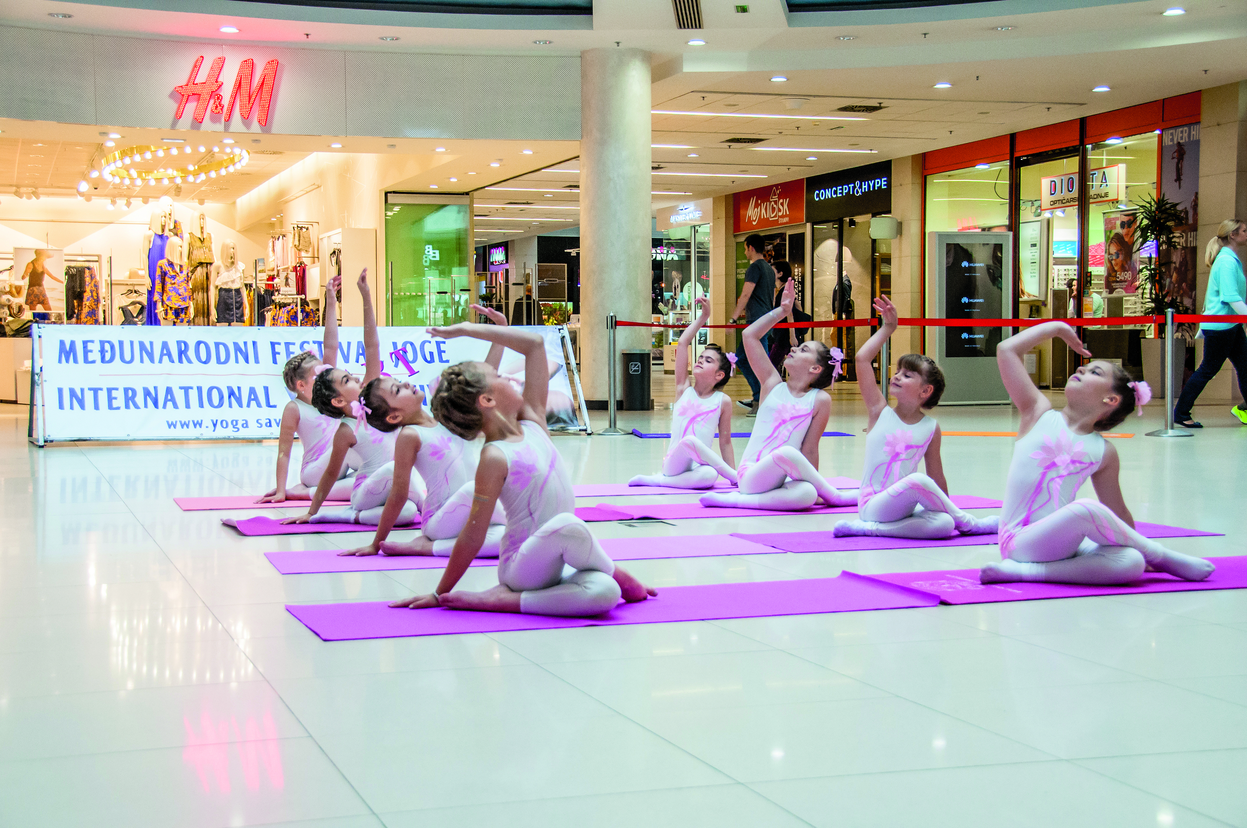 Go to Арт јога – медитација у покрету