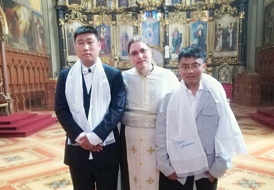 Go to Кинези-нова православна браћа