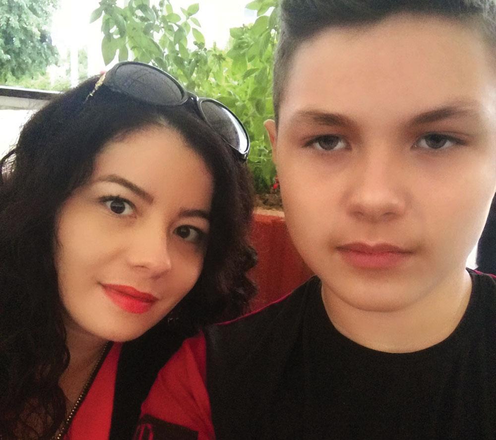 Go to Интервју: Дијана Ждрња, мајка 13-годишњег генија Дејана Лукића