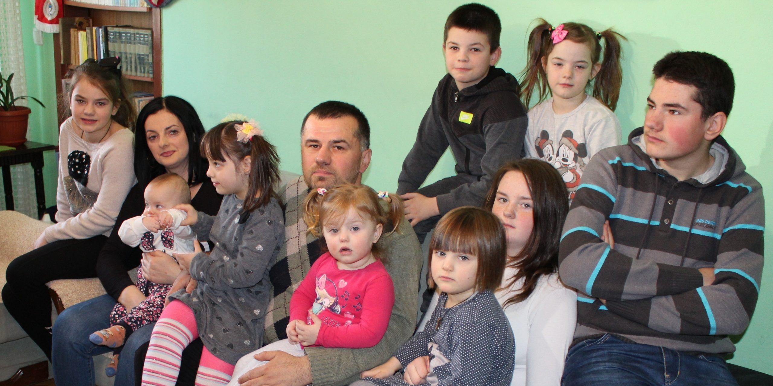 Go to Вуковићи, најбогатији на Косову: Мајка Југовића са деветоро деце