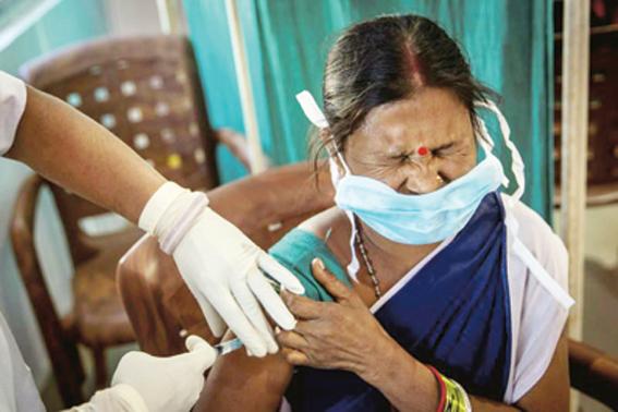 Go to ИНДИЈА ПРАЗНУЈЕ У СЕНЦИ КОВИДА <br> Најмасовнија вакцинација икада