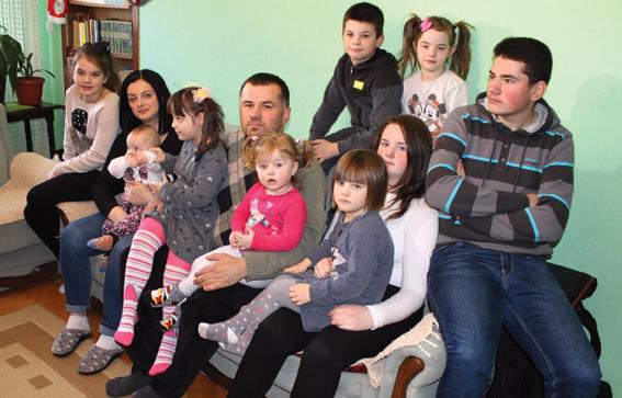 Go to МАЈКА ЈУГОВИЋА ИЗ КОСОВСКЕ МИТРОВИЦЕ <br> Родила и десету бебу!
