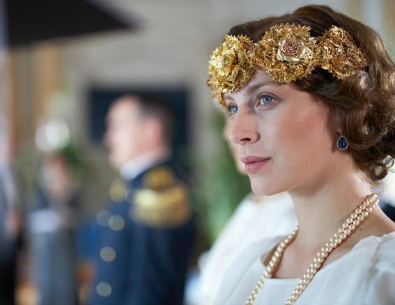 Go to ТАМАРА АЛЕКСИЋ КАО КРАЉИЦА МАРИЈА <br> Удата за војника