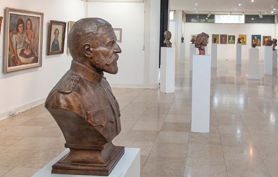 Go to НАРОДНИ МУЗЕЈ КРАГУЈЕВАЦ <br> Изложба портрета и аутопортрета